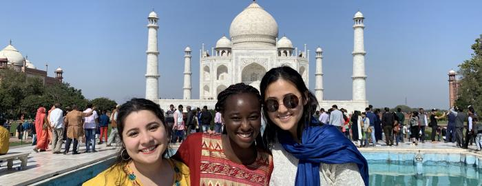 Women in front of the Taj Mahal